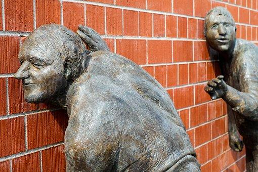 sculpture-2209152__340