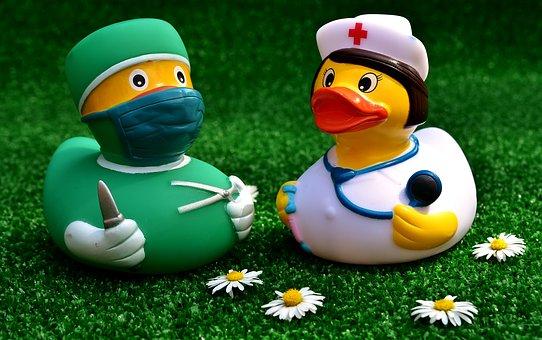 surgeon-2821375__340