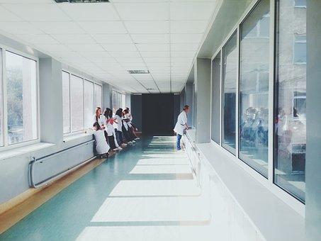 doctors-2607295__340